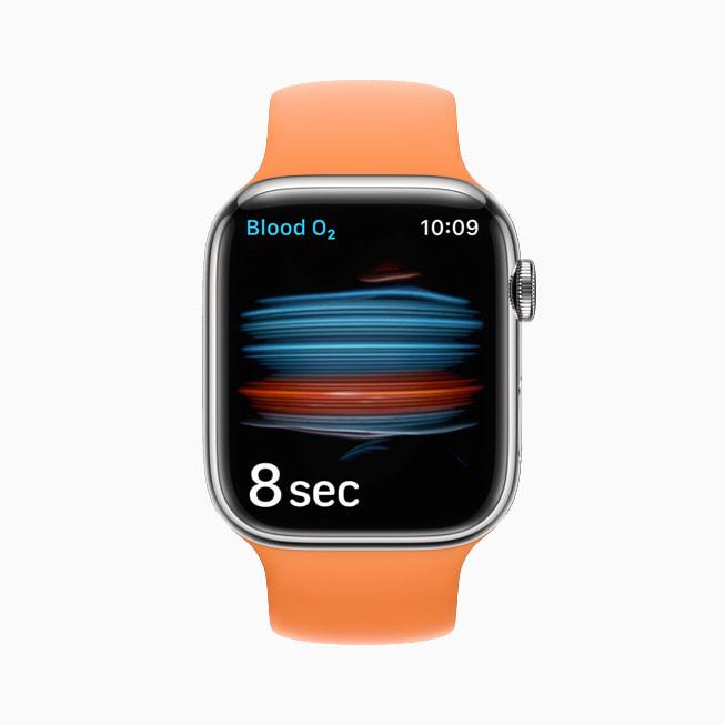 Apple Watch Series 7 上的血氧传感器和血氧 app。
