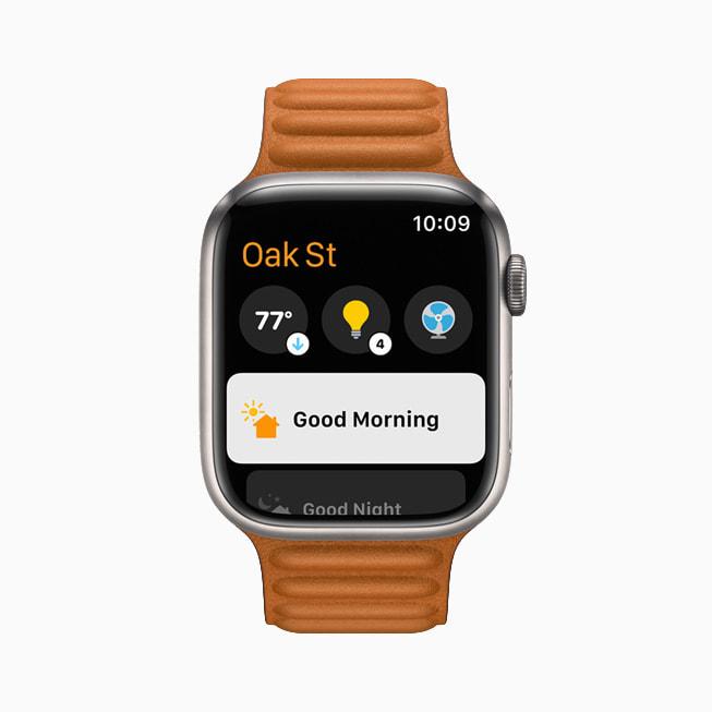 Apple Watch Series 7 上 watchOS  8 中的家庭 app。