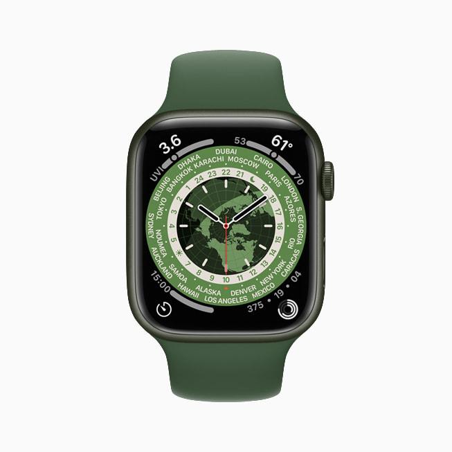 Apple Watch Series 7 展示经典世界时钟表盘。