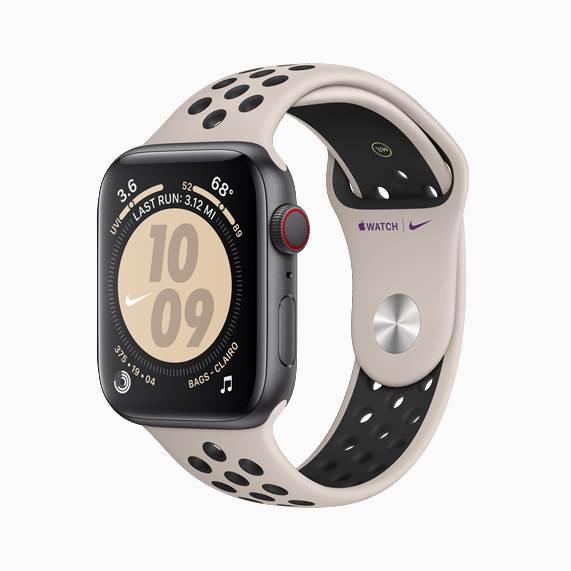 配有新款 Nike 运动表带的 Apple Watch Nike。