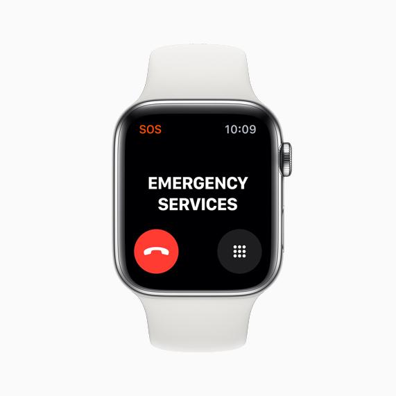 Apple Watch Series 5 上展示的全新紧急呼救电话功能。