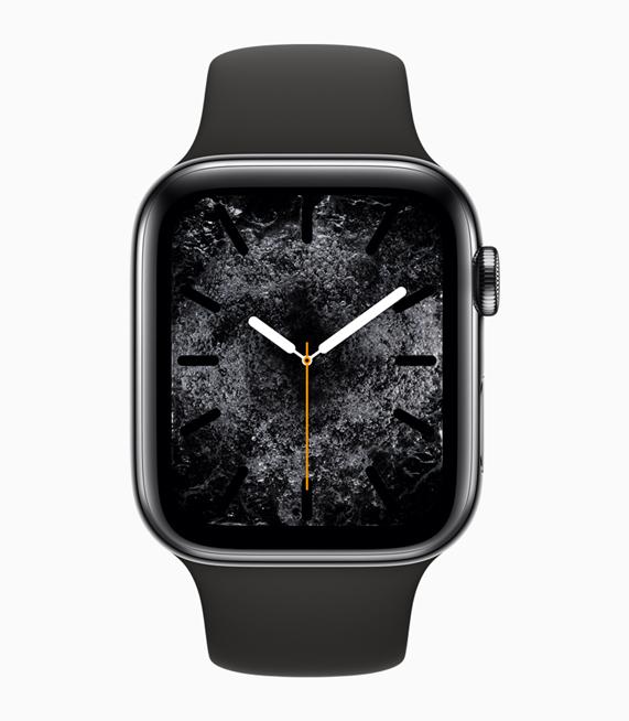 展示全新水元素表盘的 Apple Watch Series 4。