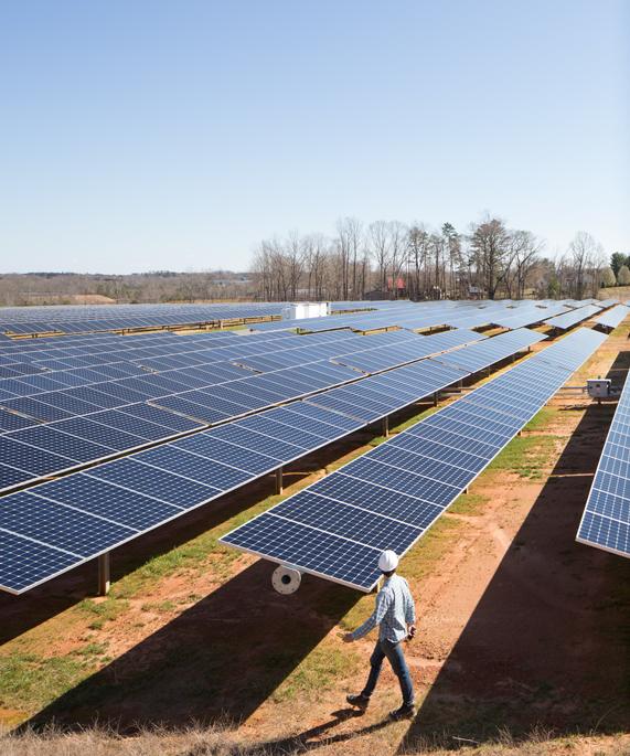 Apple 和供应商投资太阳能发电技术。