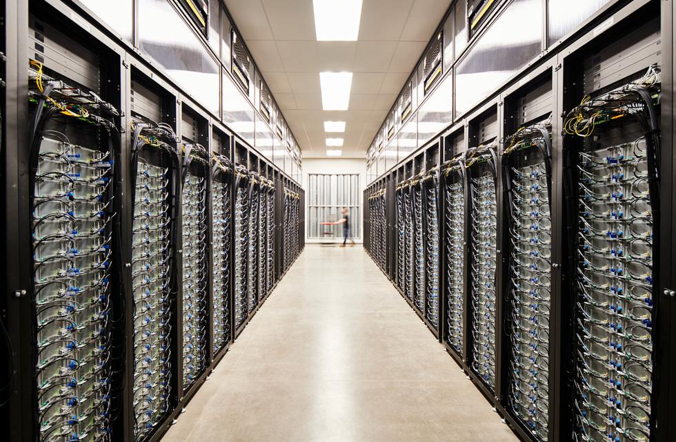 Apple 里诺数据中心的服务器机房。